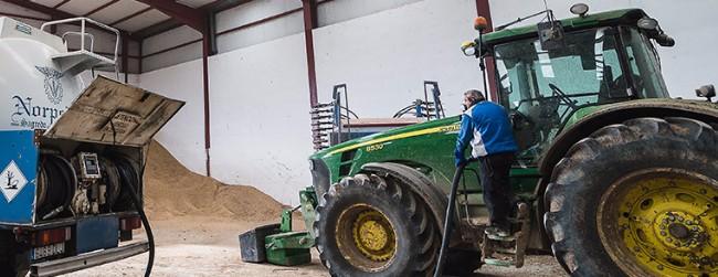 tractor en almacén