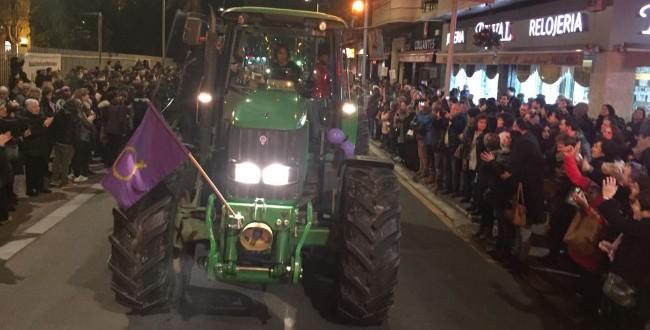 Tractor en la manifestación del 8 de marzo
